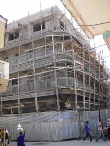 Maison en construction, par Cyrus Sibert, RESEAU CITADELLE