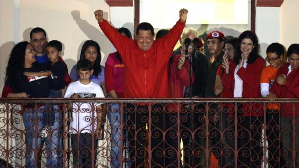 Hugo Chavez suite a sa reelection en 2012credit: AFP PHOTO/JUAN BARRETO