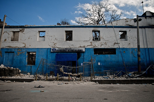 Earthquake damage in downtown Port-au-Prince. - Prison Via Flickr